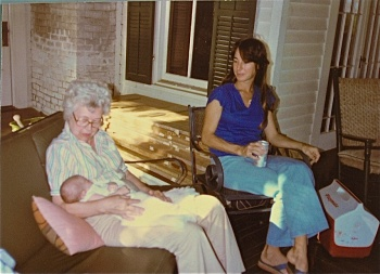 Flo Hardy with Judy Hardy and baby Alyda