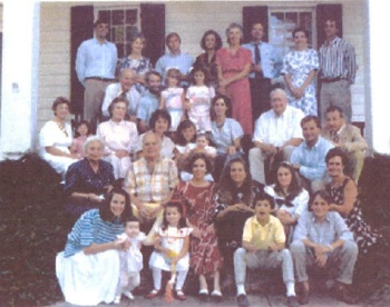 Reunion Hardy Family 1989 steps of The Cedars