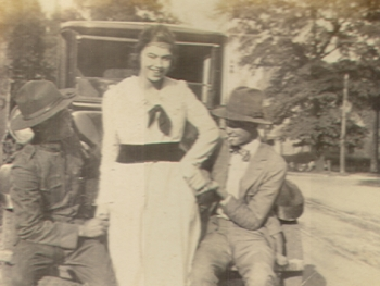 woman with 2 men old car, Buck Hardy collection